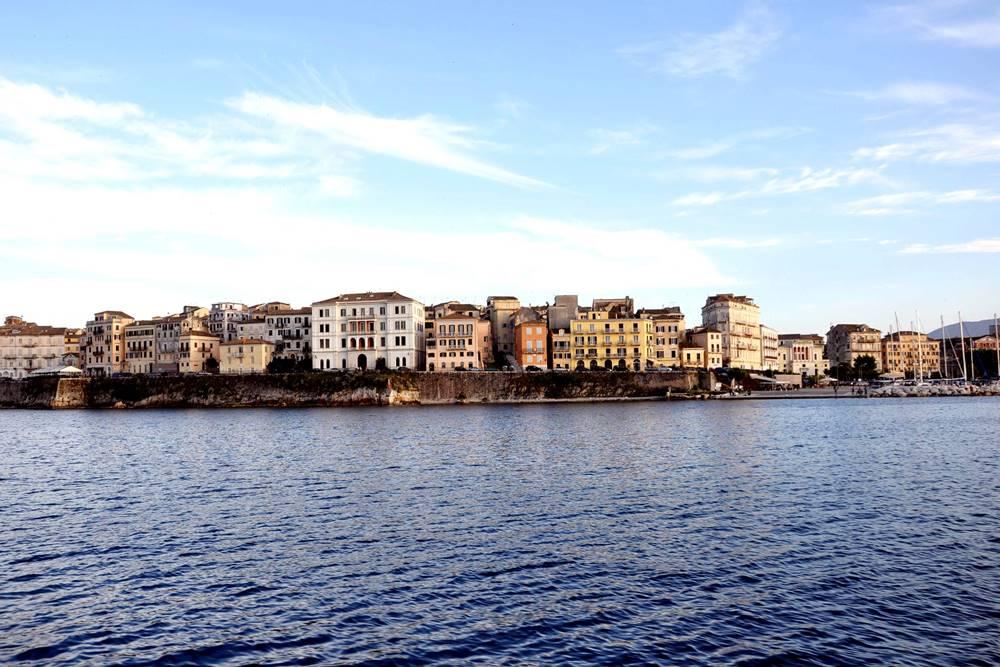 36 Boot Tour Hafen Korfu Stadt Häuser