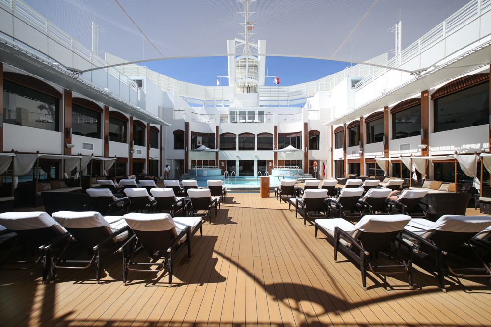 9 Norwegian Epic Posh Beach Club