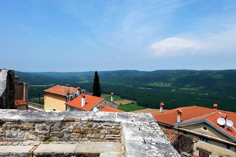 Bild 27 Stadtmauer Motovun Istrien Kroatien