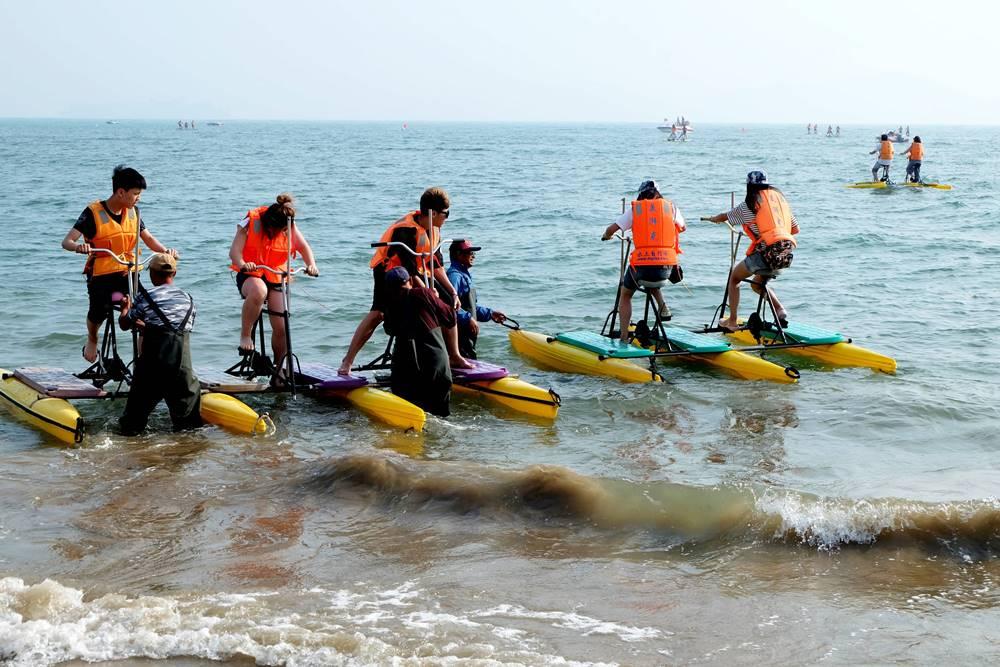 6 Wasserfahrrad Sandstrand Nr. 1 Qingdao Shandong China