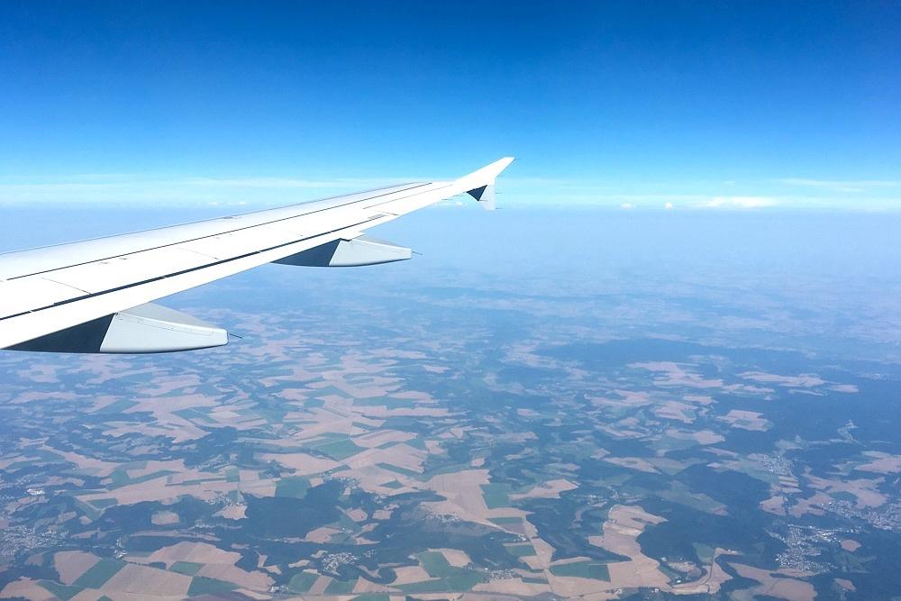 1 Flug nach Paris Eurowings