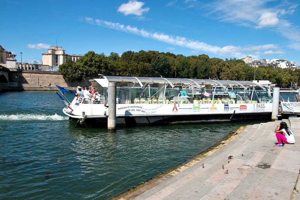 Paris Sommer Batobus Seine
