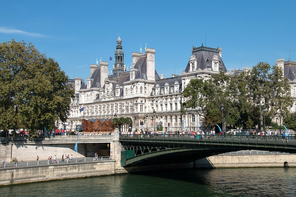 Paris im Sommer Städtereise
