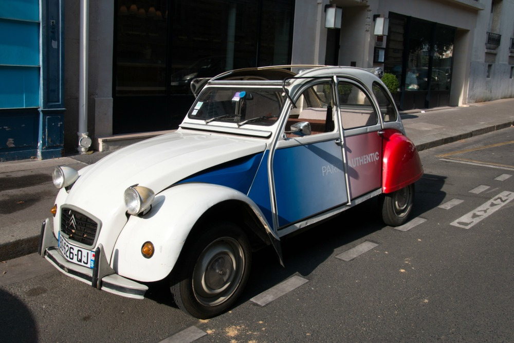 paris-stadtrundfahrt-ente-citroen-2cv-paris-authentic
