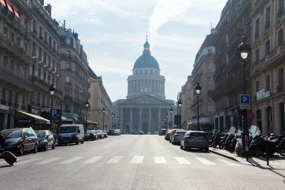 Paris im Sommer August