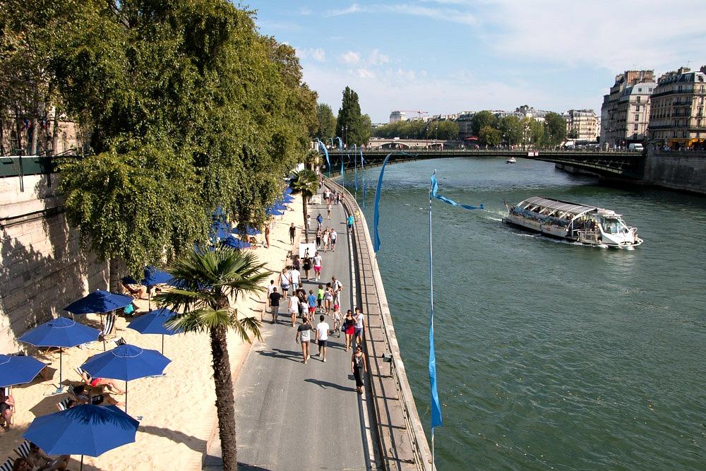 Reiseblog Luxusreiseblog Paris Plages Stadtstrand Seine Boot