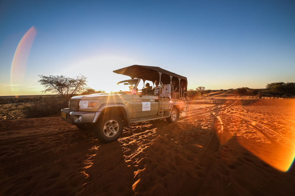17-afrika-namibia-kalahari-wueste-sonnenuntergang