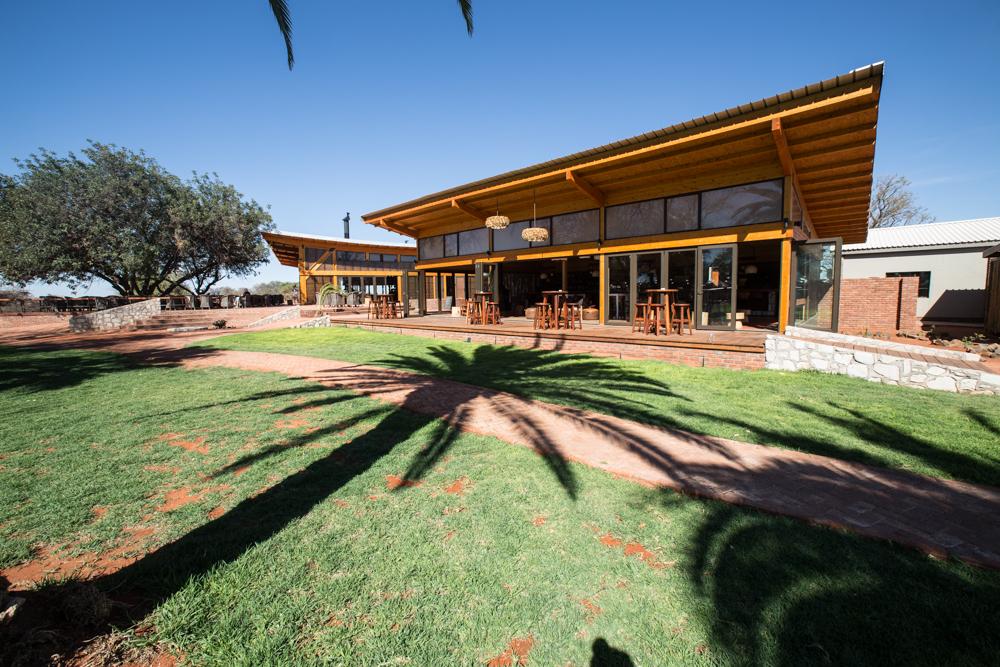 6-namibia-kalahari-wueste-anib-lodge-hotel