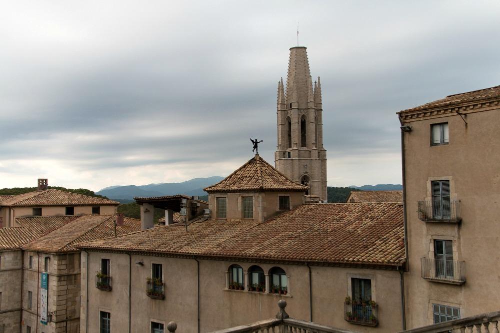 girona-katalonien-spanien-stadt-ausblick