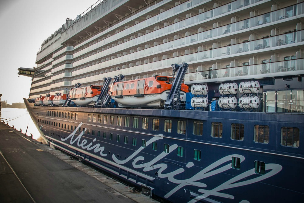 Mein Schiff 5 in Barcelona