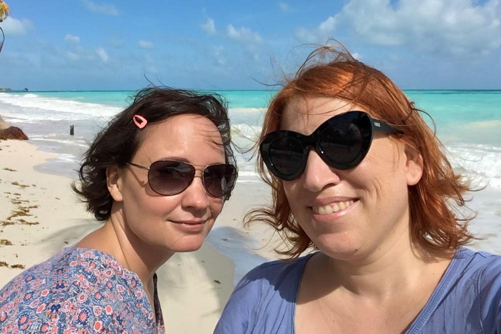 Reiseblogger Anja Beckmann am Strand, Isla Blanca, Mexiko