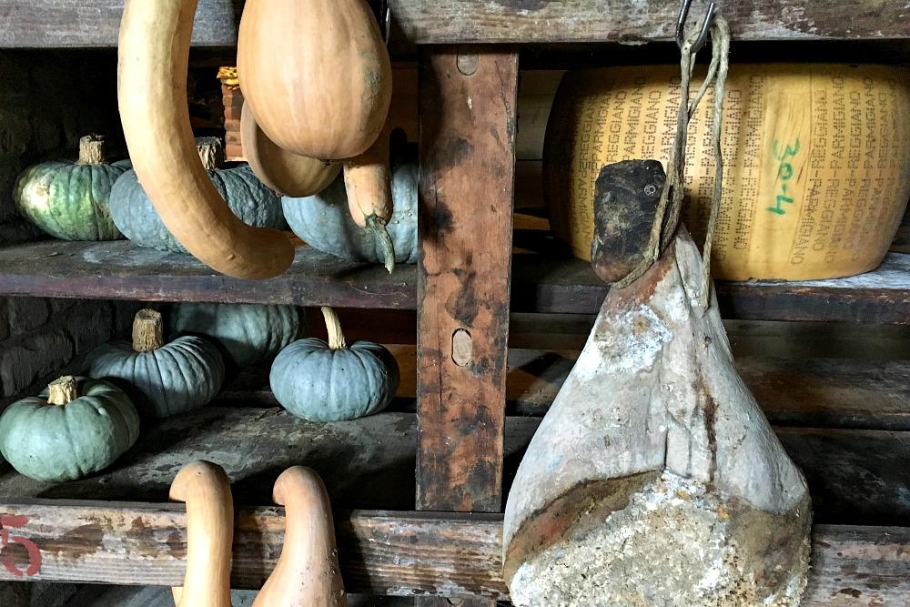 Schinken, Parmesan und Kürbis in Italien