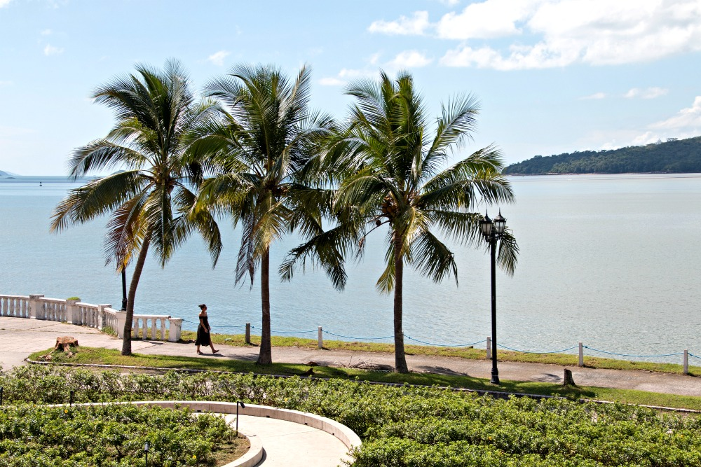 Ausblick vom Biomuseo am Panamakanal