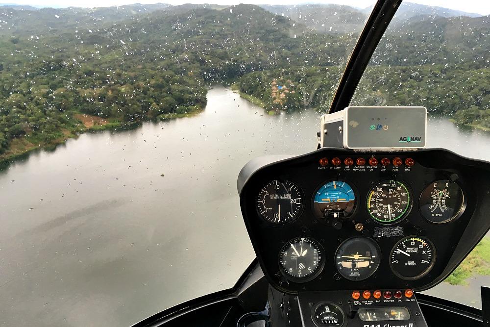 Helikopterflug über dem Río Chagres