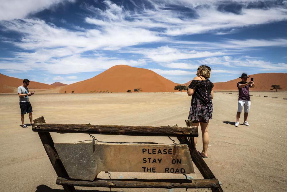 Im Auto unterwegs in Namibia