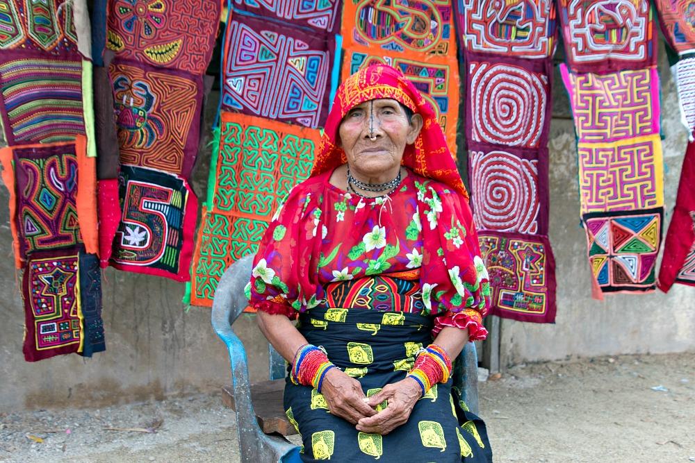 Kuna Frau auf den San Blas Inseln in Panama