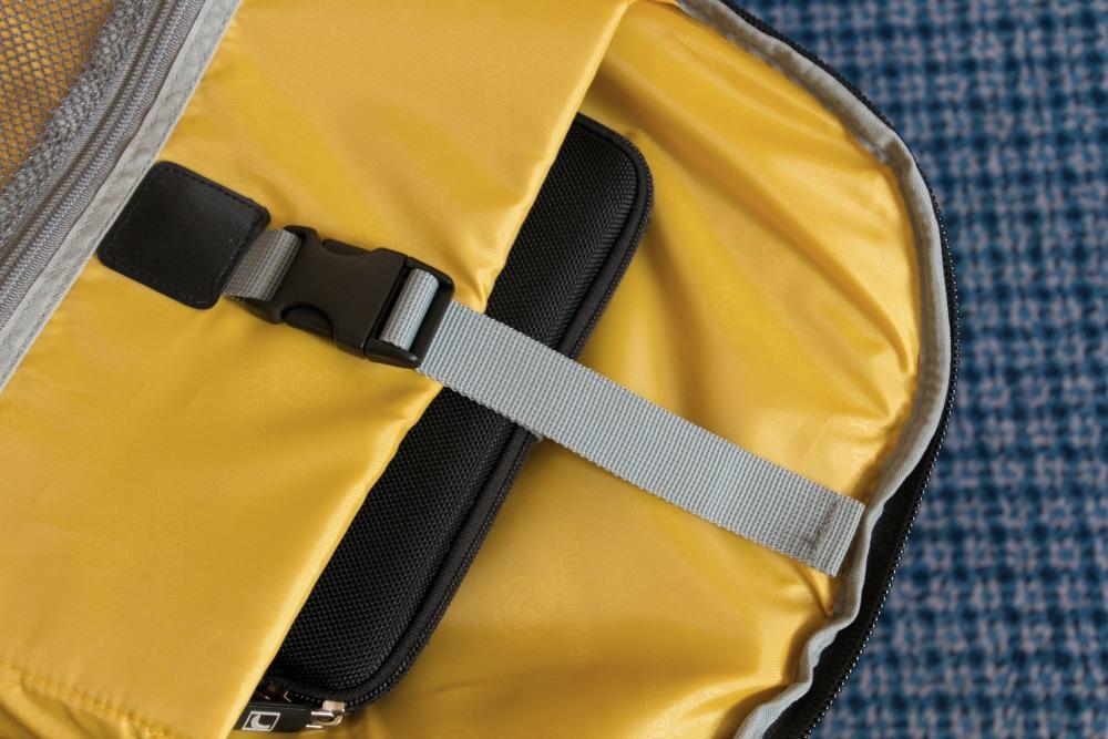 Rucksack Trolley Runway -33-: Tablet im Innenfach