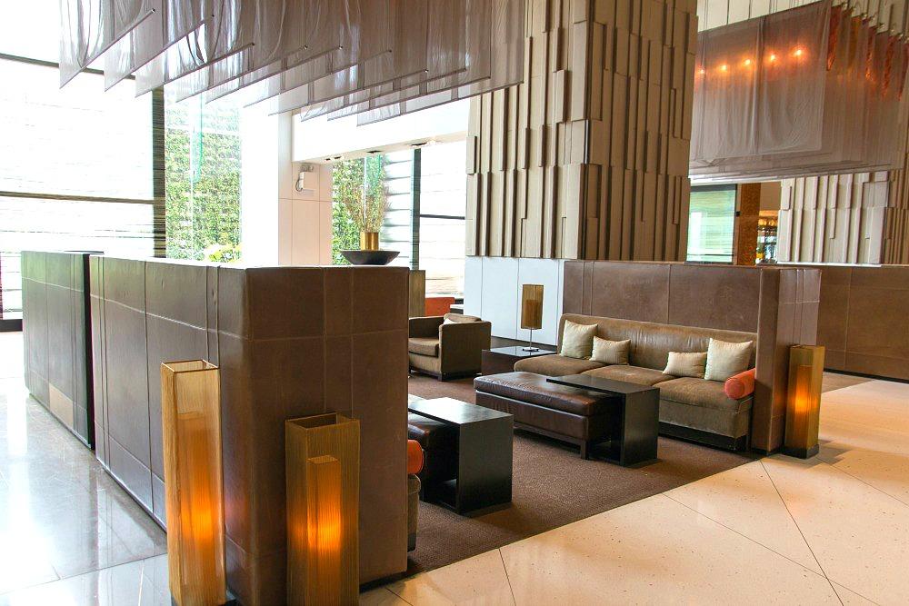 Lobby des Millennium Hilton Bangkok Hotels