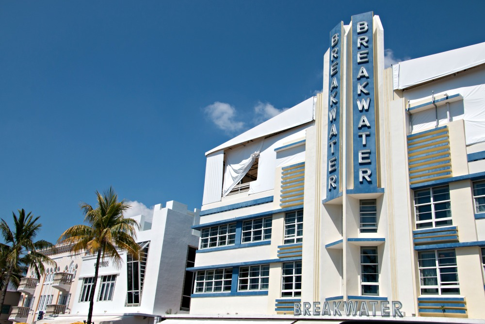 Walking Tour Art Deco District Miami