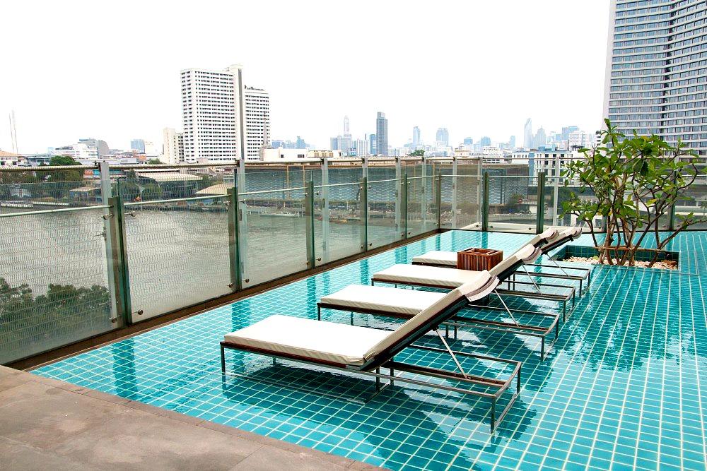 Millennium Hilton Bangkok Hotel mit Infinity Pool