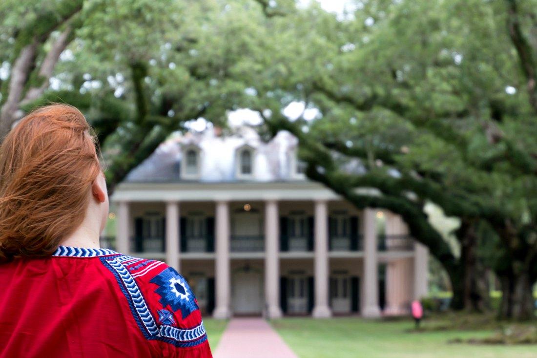 Reiseblogger Anja Beckmann bei der Oak Alley Plantage in der Nähe von New Orleans