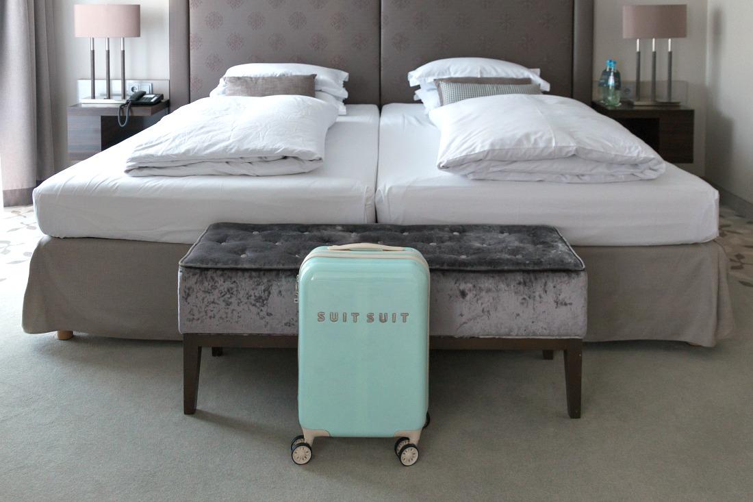 suitsuit koffer test handgep ck trolley flugzeug 3. Black Bedroom Furniture Sets. Home Design Ideas