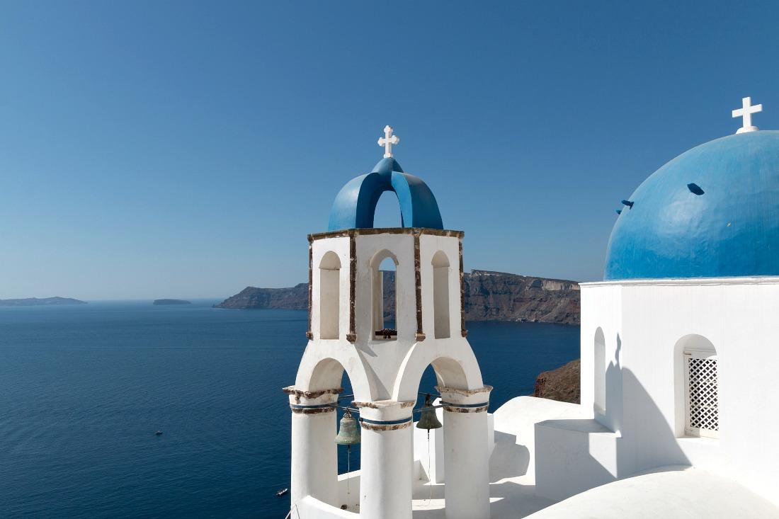 Blue Domes Kuppelkirchen auf Santorini Griechenland