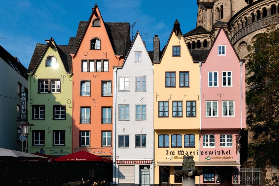 Köln Sehenswürdigkeiten: Kölner Altstadt mit bunten Häusern