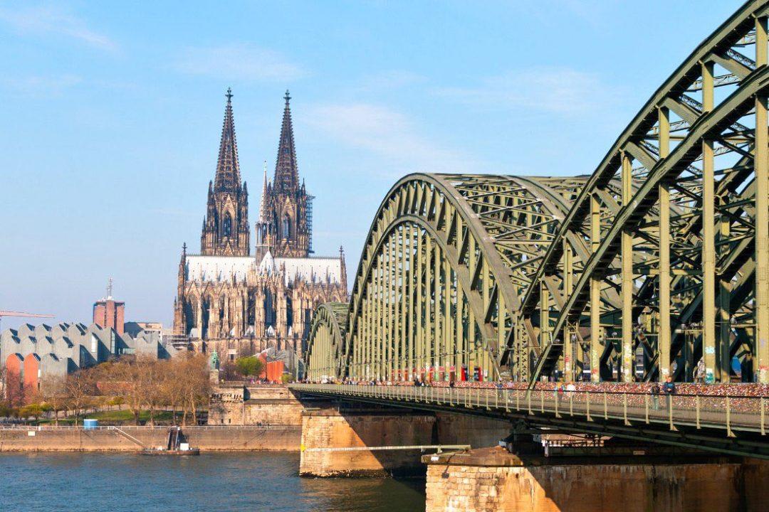 Der Kölner Dom gehört zu den bekanntesten Köln Sehenswürdigkeiten