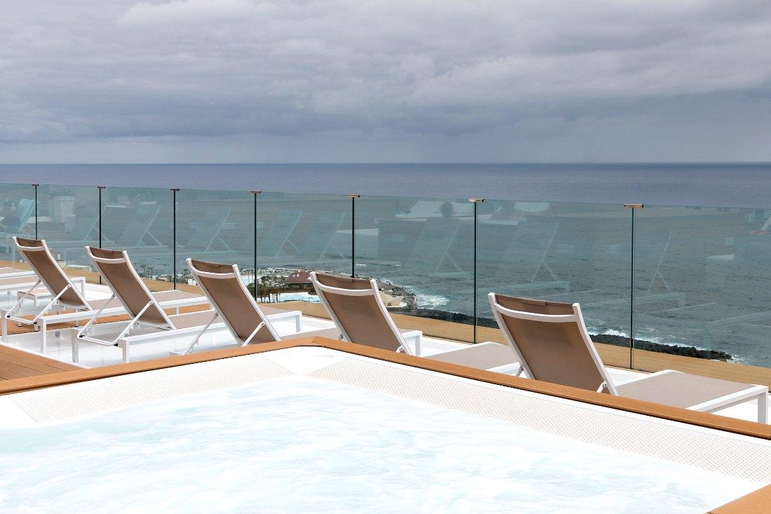 Dachterrasse des Atlantic Mirage Hotels auf Teneriffa