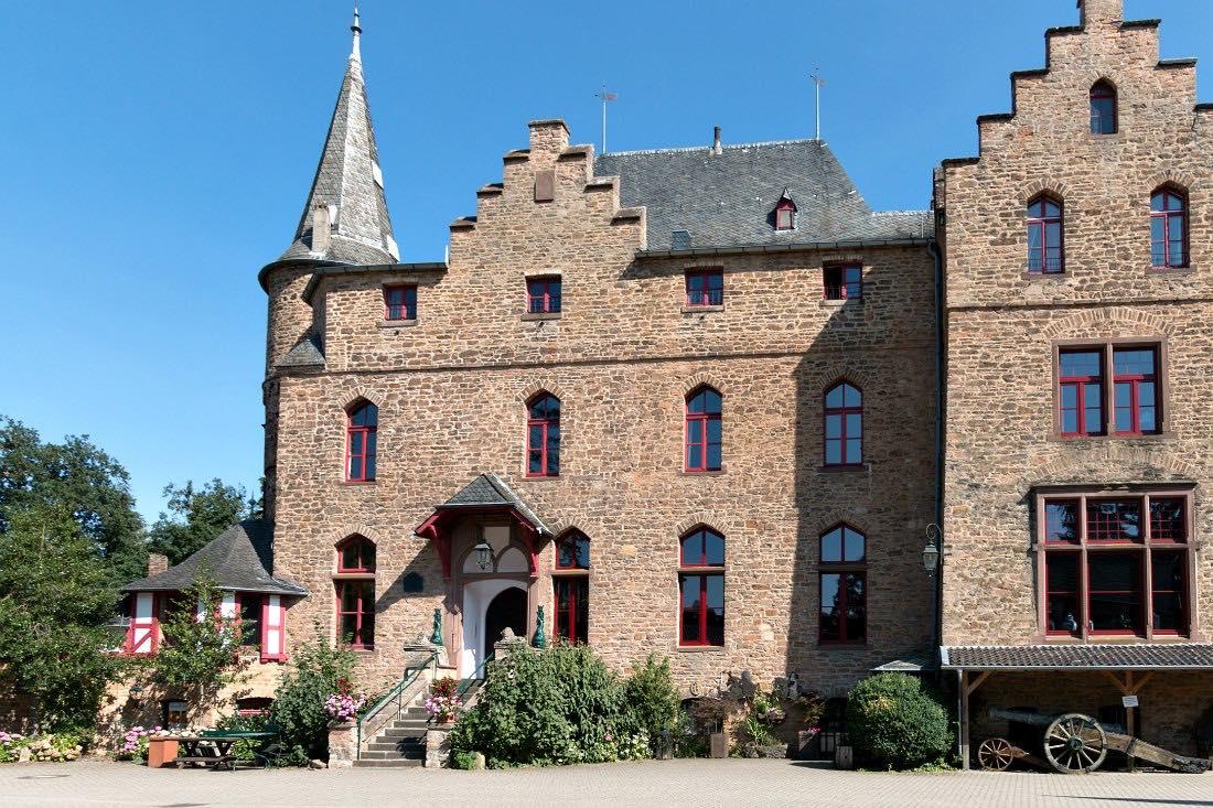 Burg Satzvey in der Eifel