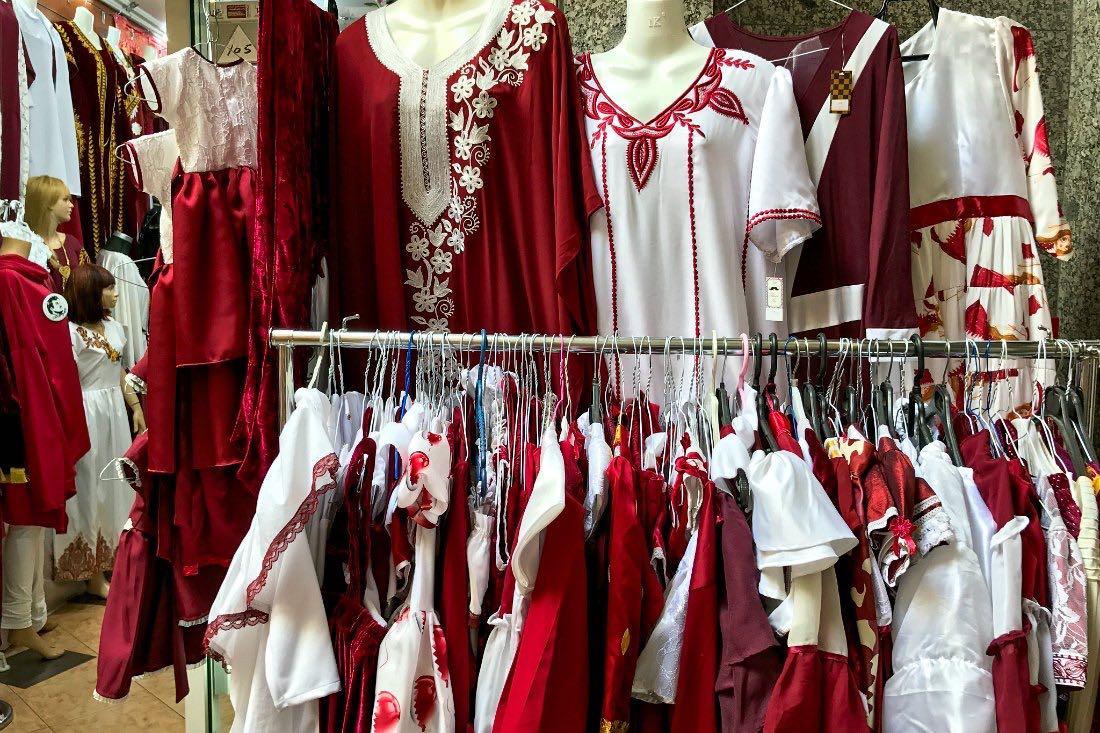 Doha Urlaub als Frau und Kleidung