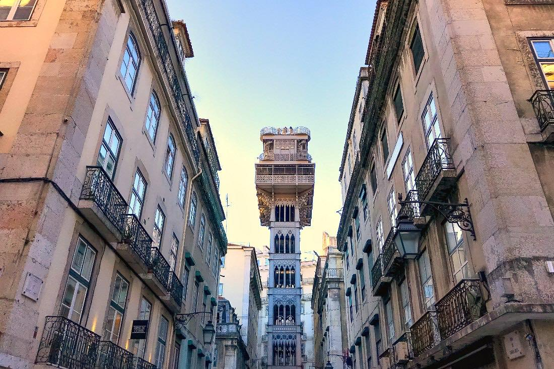 Lissabon im Winter: Elevador de Santa Justa