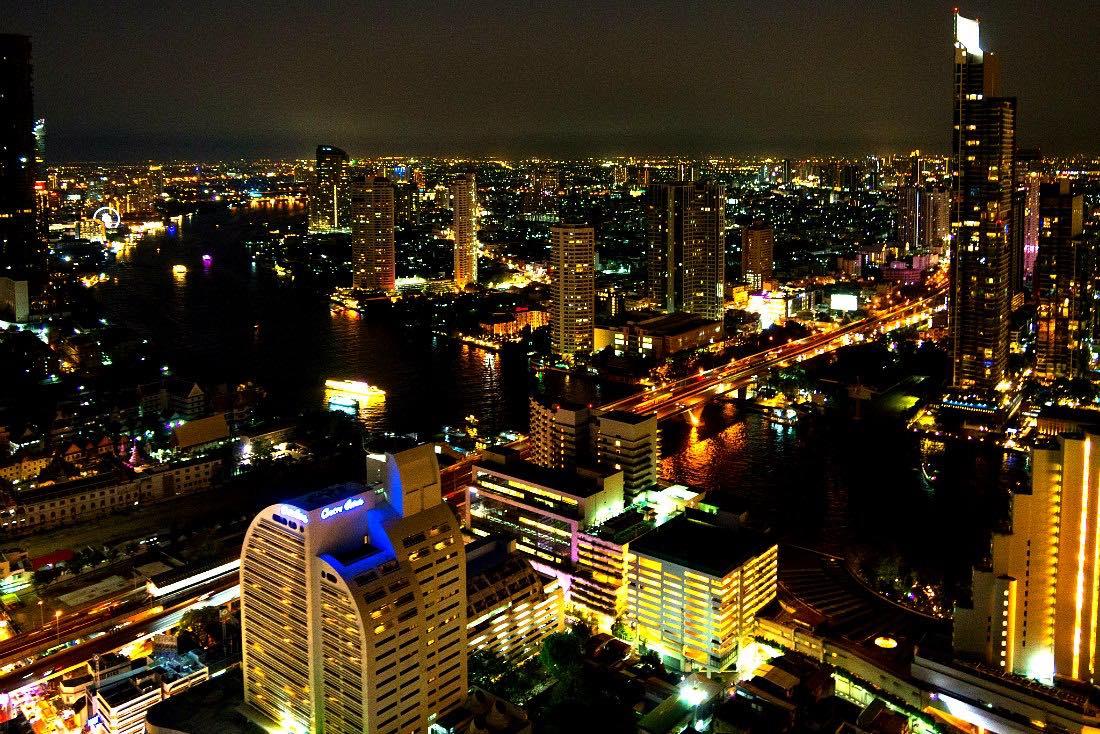Hangover Bar Bangkok Ausblick Nacht Fluss