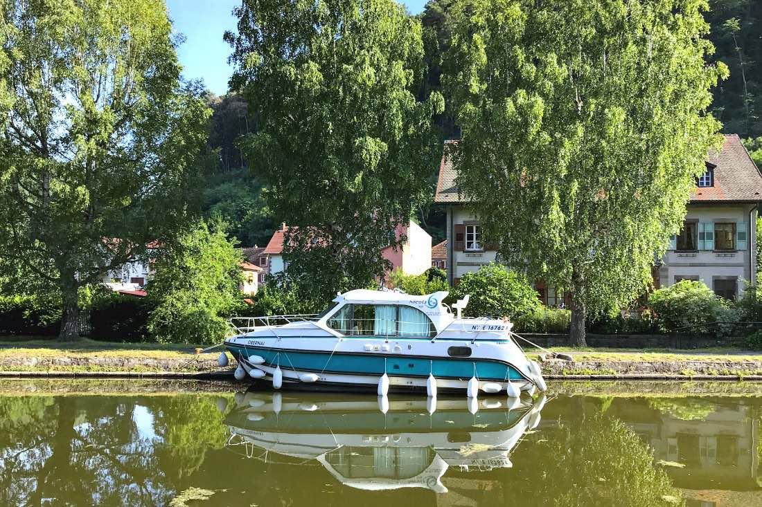 Anlegen mit dem Hausboot