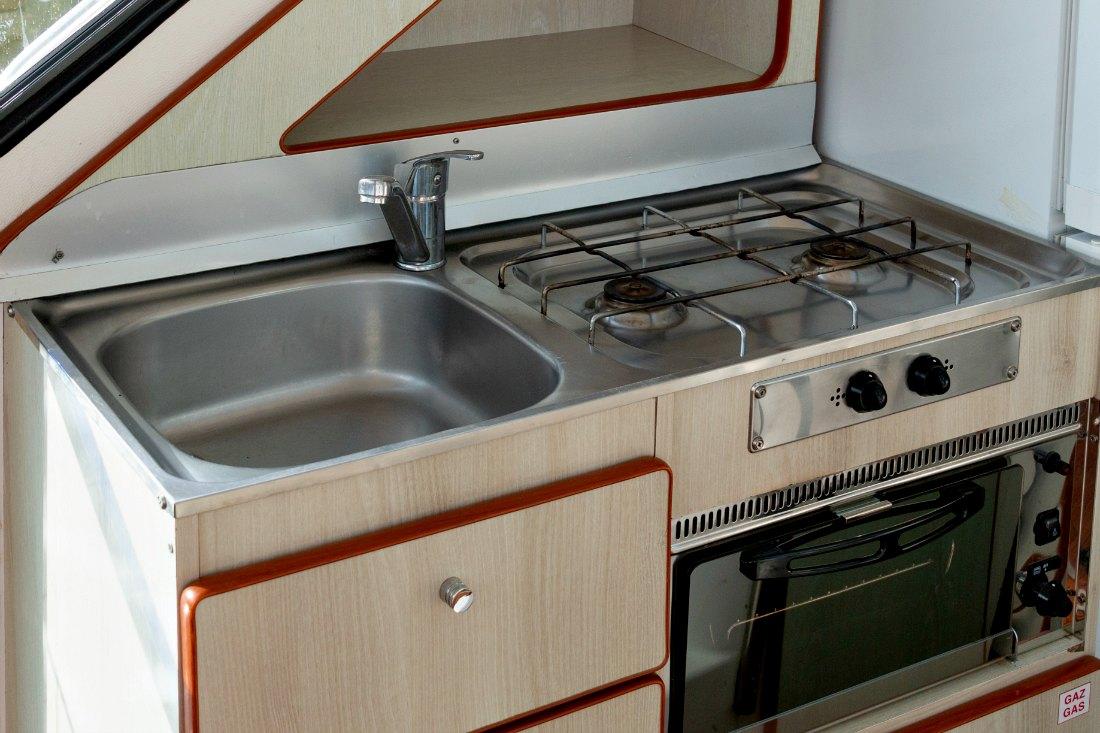 Küche auf dem Hausboot