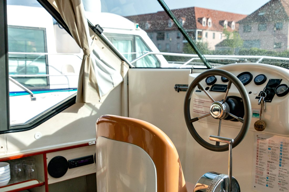Steuer Hausboot