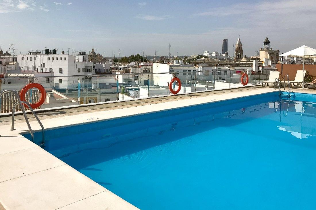 Hotel Sevilla mit Pool