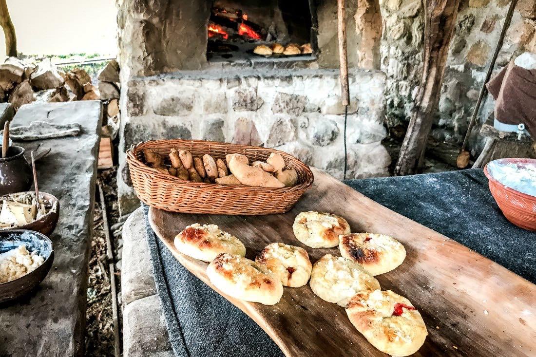 Essen im Wikingerdorf