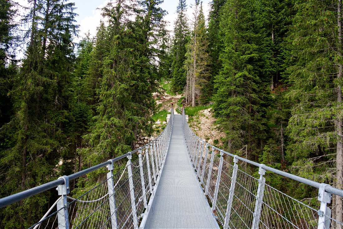 Hängebrücke am Karersee