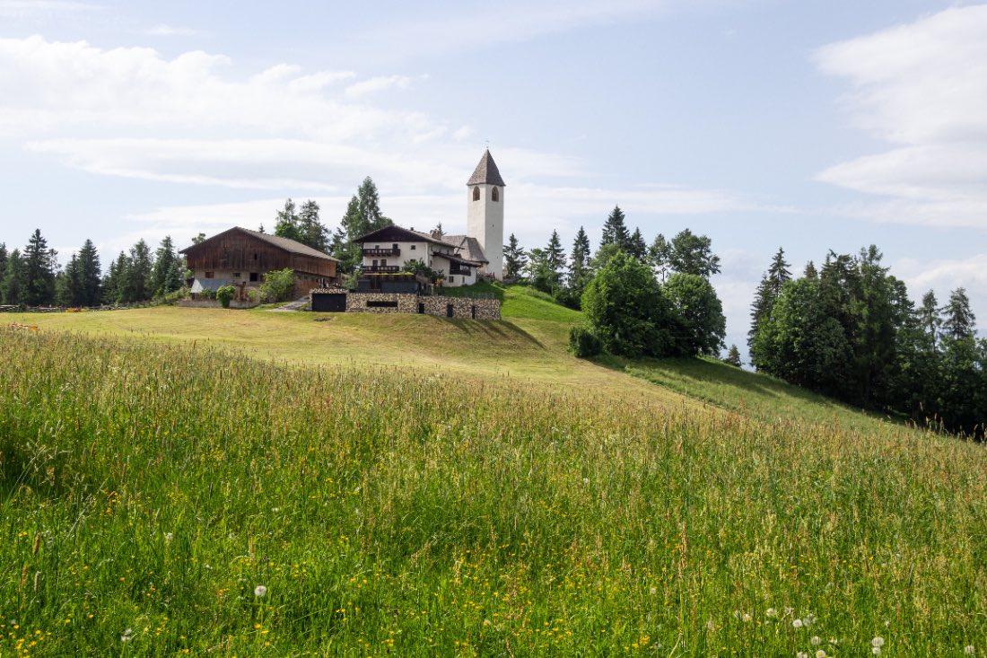 Kirche St. Helena in Südtirol