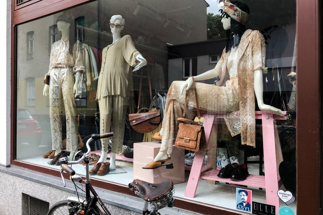Polyestershock Vintage Store Cologne