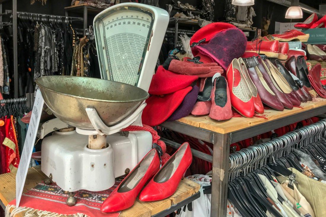 Picknweight Vintage Kilo Store Cologne Ehrenstrasse
